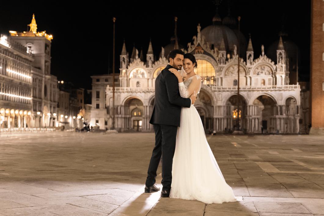 Chimento sposi Venezia davanti a Basilica San Marco